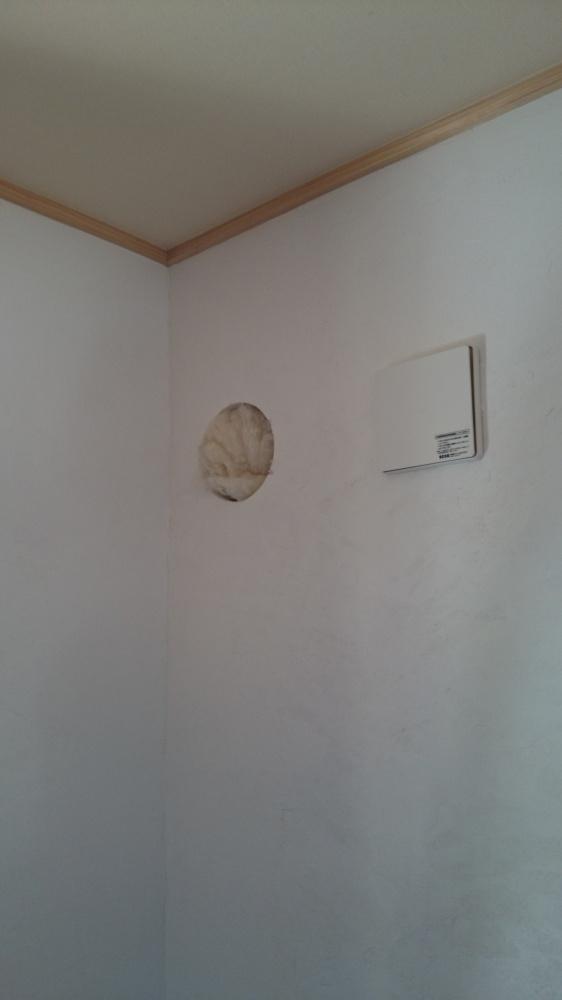 ペレットストーブ設置工事 穴(室内)