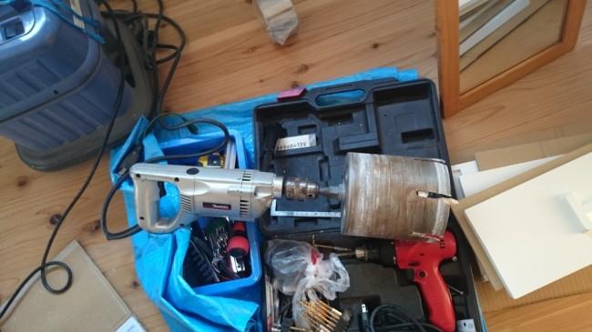 ペレットストーブ設置工事 穴開け機