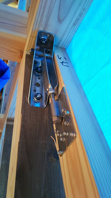 AKコボット施工例(ボルト固定)